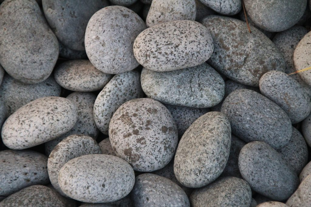 small front yard landscaping ideas with rocks