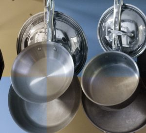 how to clean aluminium pans with baking soda
