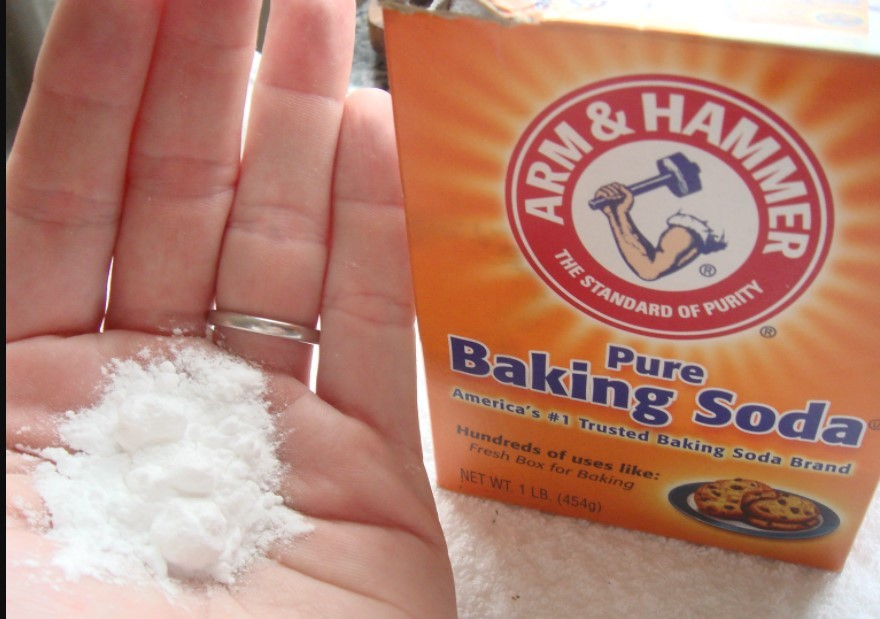 3.How to Clean Iron Plate with Baking Soda